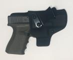 Glock 19/23/32 s nakloněnou sponou pro nošení na 4. resp. 8. hodině (u leváka).